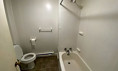 Bathroom, 10 Chapel St, 2
