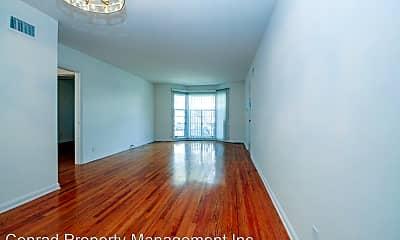 Living Room, 8222 De Longpre Ave, 1