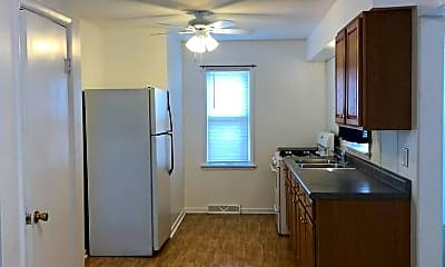Kitchen, 6838 Waveland Ave, 0