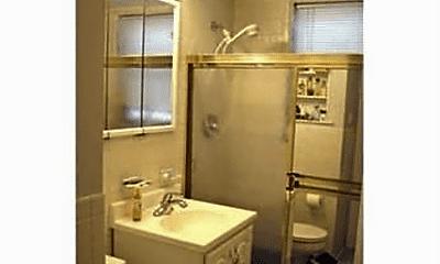 Bathroom, 141 Parker St, 1