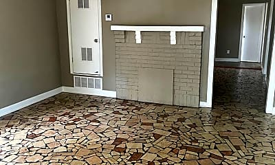 Living Room, 1497 Mississippi Blvd, 1