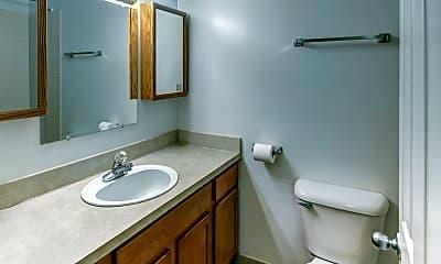 Bathroom, Auburn West Apartments, 2