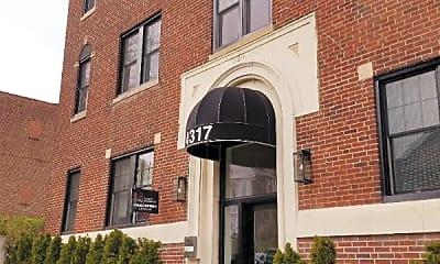 Building, 4317 Spruce St, 2