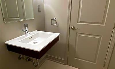 Bathroom, 800 W Ferry St, 2