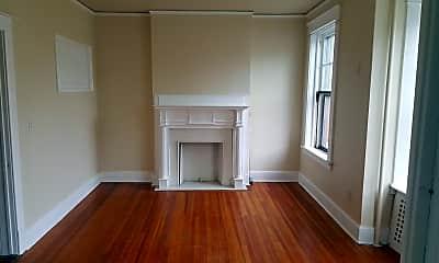 Living Room, 176 Chestnut St, 0