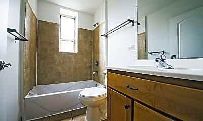 Bathroom, 4114 W Washington Boulevard, 2