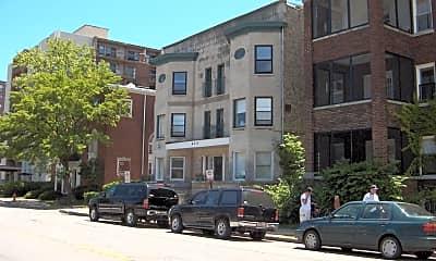 Building, 618 Clark St, 1
