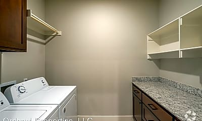 Living Room, 483 Blue Spruce Ave, 1