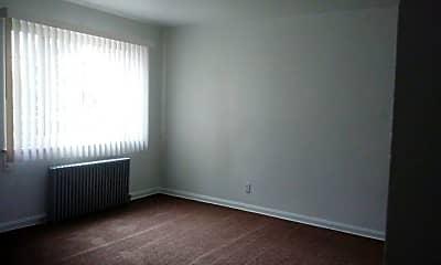 Living Room, 25301 Lakeshore Blvd, 1