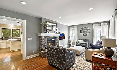 Living Room, 1916 Laurel Ave W, 1