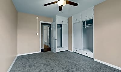 Bedroom, 5820 Hazeltine Ave, 2
