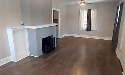 Living Room, 608 Linda Pl, 1