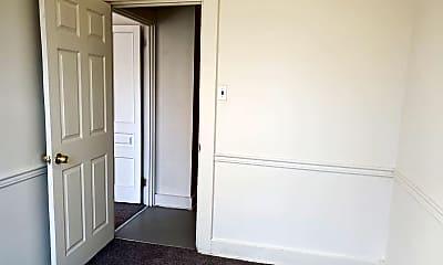 Bedroom, 219 N Mulberry St, 2