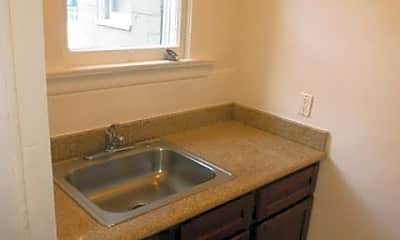 Bathroom, 81 9th St, 1