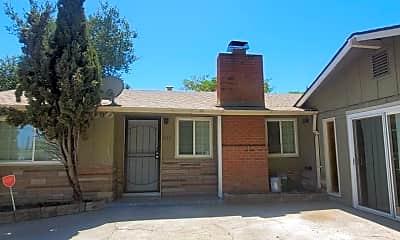 Building, 636 School St, 2
