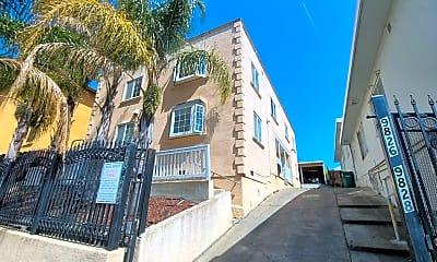 Building, 9822 MacArthur Blvd, 1