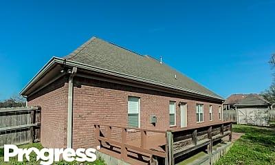 Building, 10 McKinzie Cv, 2