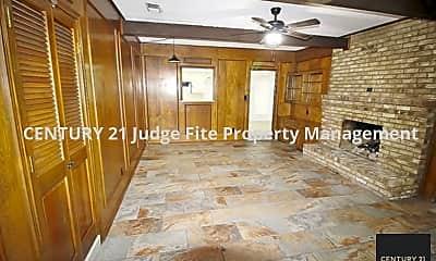 Building, 211 Hanna Ave, 2