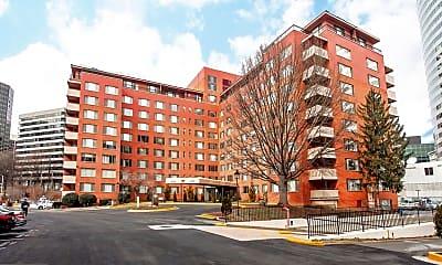 Building, 1121 Arlington Blvd 812, 1