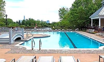 Pool, 15 Enterprise Ct 109, 2