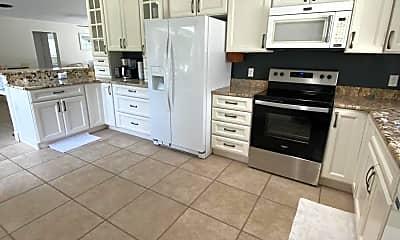 Kitchen, 426 S Neptune Dr, 2