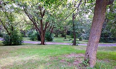 Hampton Woods, 2