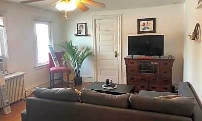 Living Room, 813 Greenwood Ave, 0