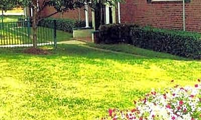 Landscaping, Victoria Crossing Apartments, 0