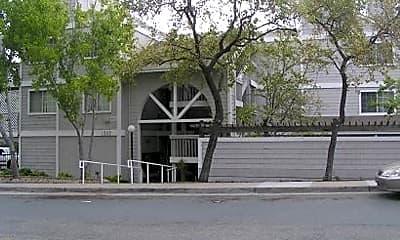 Building, 1352 Creekside Dr, 0