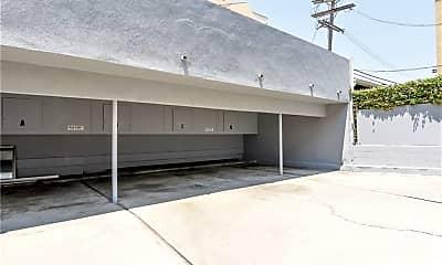 Building, 11921 Goshen Ave 1, 2