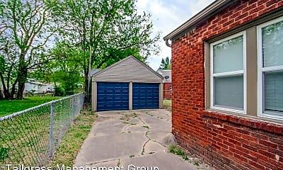 Building, 2606 E 7th St, 2