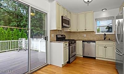 Kitchen, 62 Gold St B, 1
