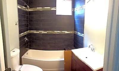 Bathroom, 1817 N Kedzie Ave 2, 2