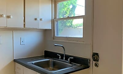 Kitchen, 2830 Roosevelt Ave, 2