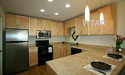 Kitchen, 711 W 32Nd St, 1