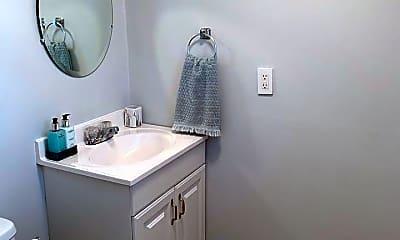 Bathroom, 19 Lance Ln, 2