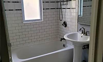 Bathroom, 2867 Lawton Ave, 2