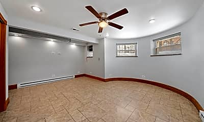 Bedroom, 4413 S Prairie Ave, 1