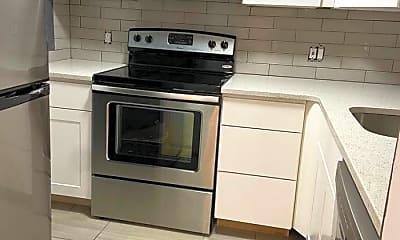 Kitchen, 524 Putnam Ave, 1