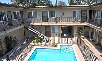 Pool, 718 Amapola Ave, 0