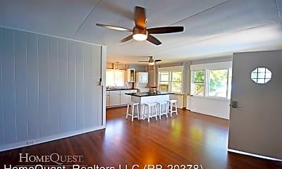 Living Room, 443 Maluniu Ave, 1