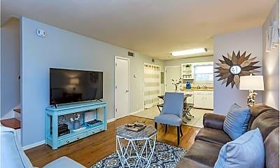 Living Room, 318B Riverside Dr, 1