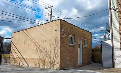 Building, 1348 S Karlov Ave, 2