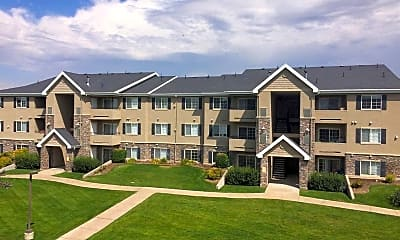 Courtyard, Deer Creek Village Apartments, 1
