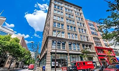 Building, 1027 Arch St 205, 2