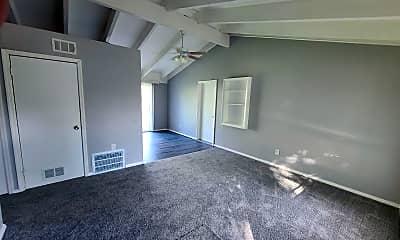 Living Room, 2737 Shadowcreek, 1