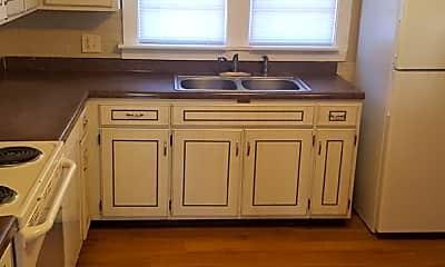 Kitchen, 909 S Virginia Ave, 1