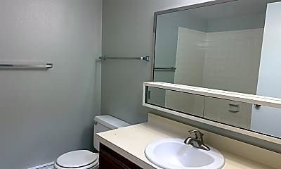 Bathroom, 4715 E 13th St, 2
