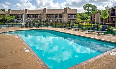Pool, Lakebridge, 1