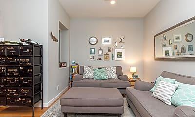 Living Room, 1112 Shackamaxon St B, 1